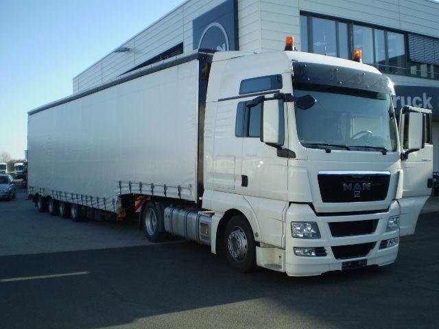 Перевозки грузов в п/прицепе Юмбо, для объёмного и негабаритного груза